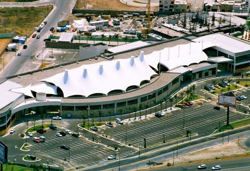 Palmas Plaza Business Style Center centro comercial locales en renta restaurantes y tiendas en Puebla